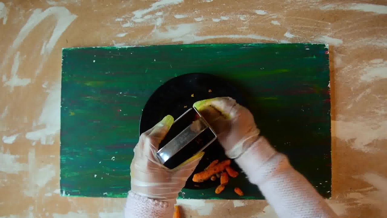 Image of the cooking step-1-2 for Kacchi Haldi ki Sabzi - Fresh Turmeric Root Curry