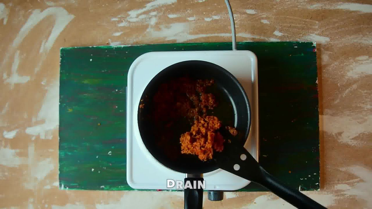 Image of the cooking step-5-3 for Kacchi Haldi ki Sabzi - Fresh Turmeric Root Curry