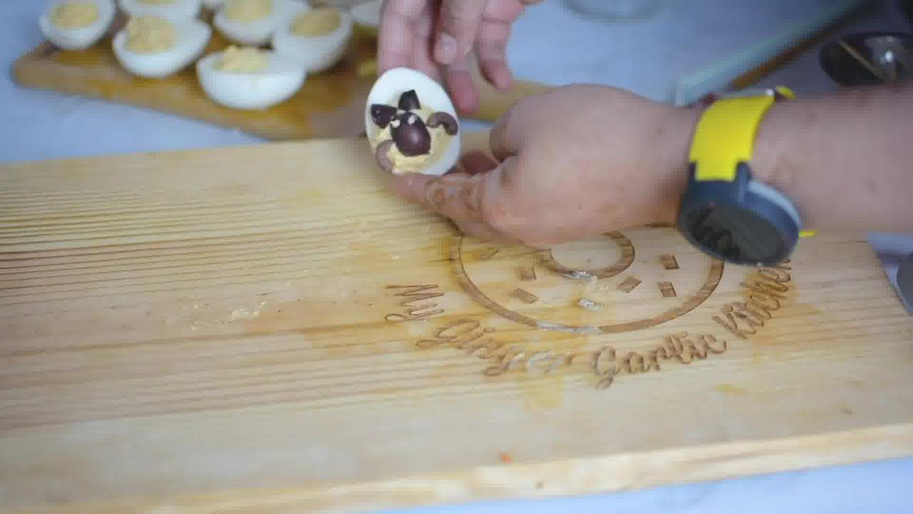 Image of the cooking step-9-6 for 7 Halloween Deviled Egg Ideas + Halloween Ghost Egg