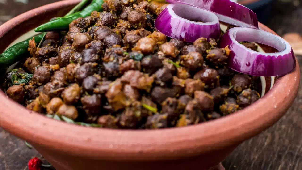 Image of the cooking step-1-14 for How to Make Halwa Chana Poori – Ashtami Prashad