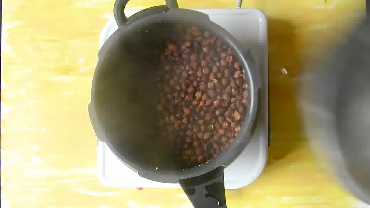 Image of the cooking step-1-4 for How to Make Halwa Chana Poori – Ashtami Prashad