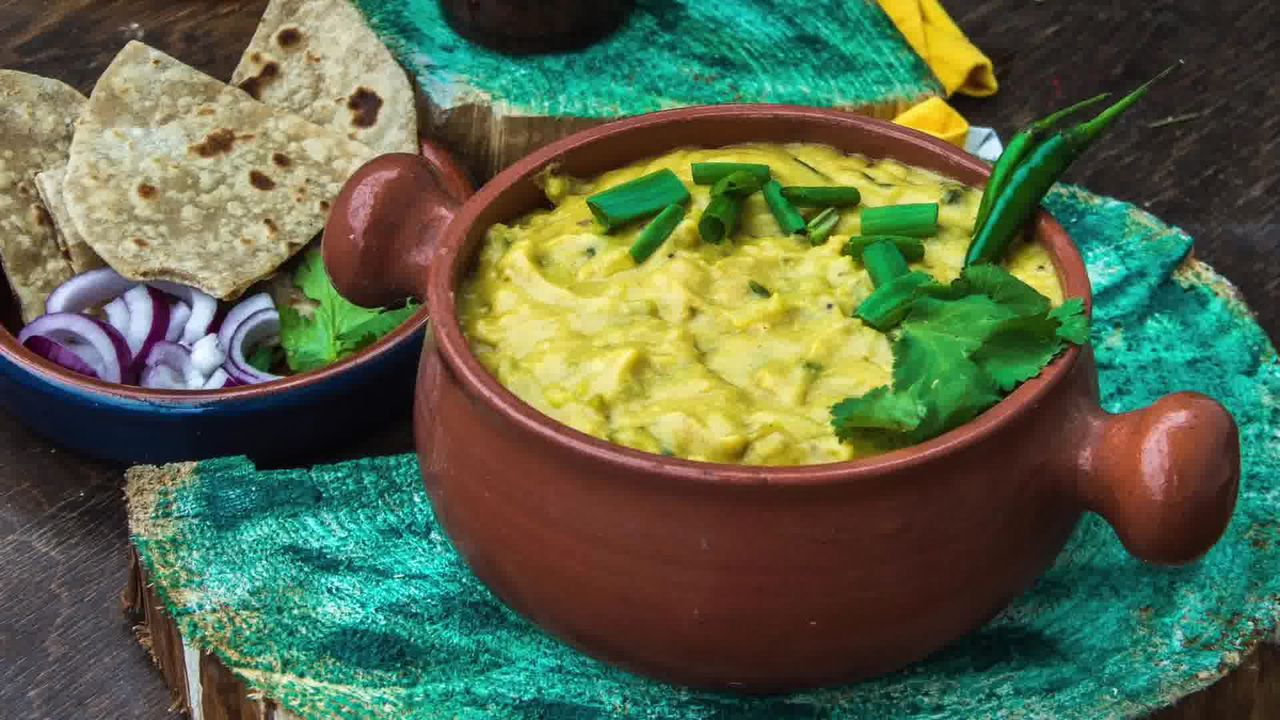 Image of the cooking step-1-12 for How To Make Double Pyaaz Ka Besan - Besan Ki Sabji