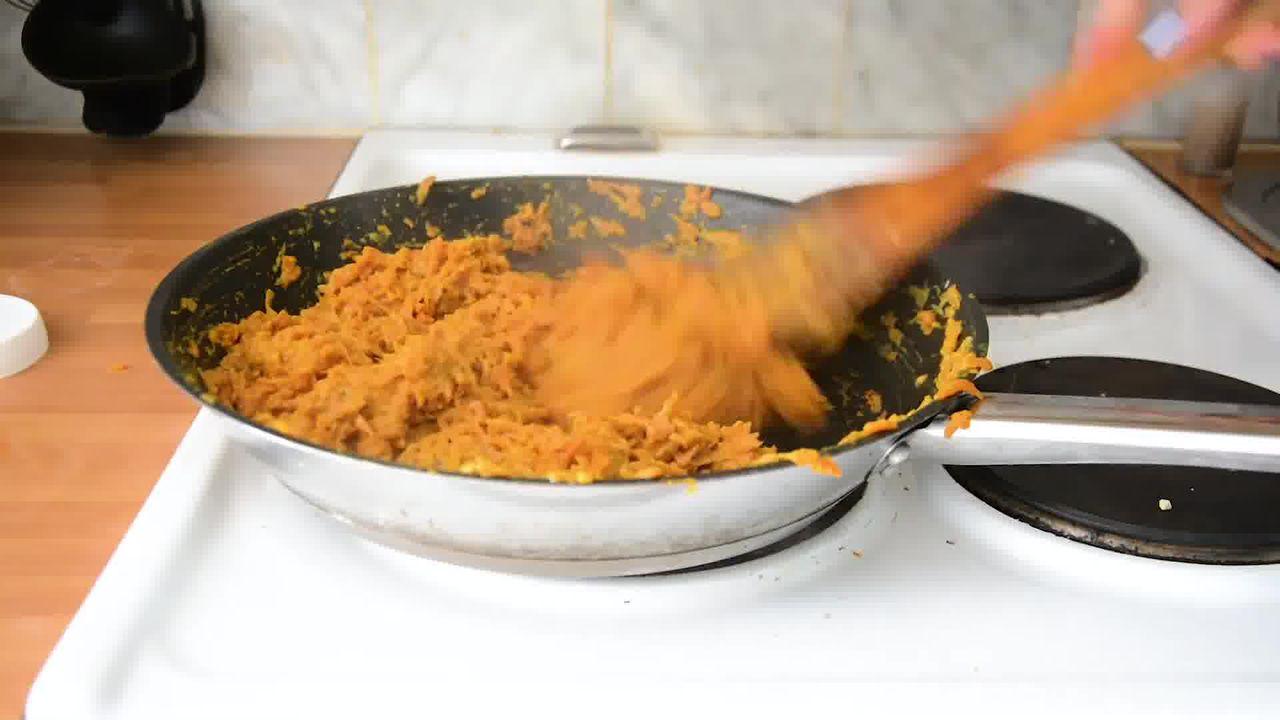 Image of the cooking step-1-8 for Carrot Halwa - How to Make Gajar Ka Halwa