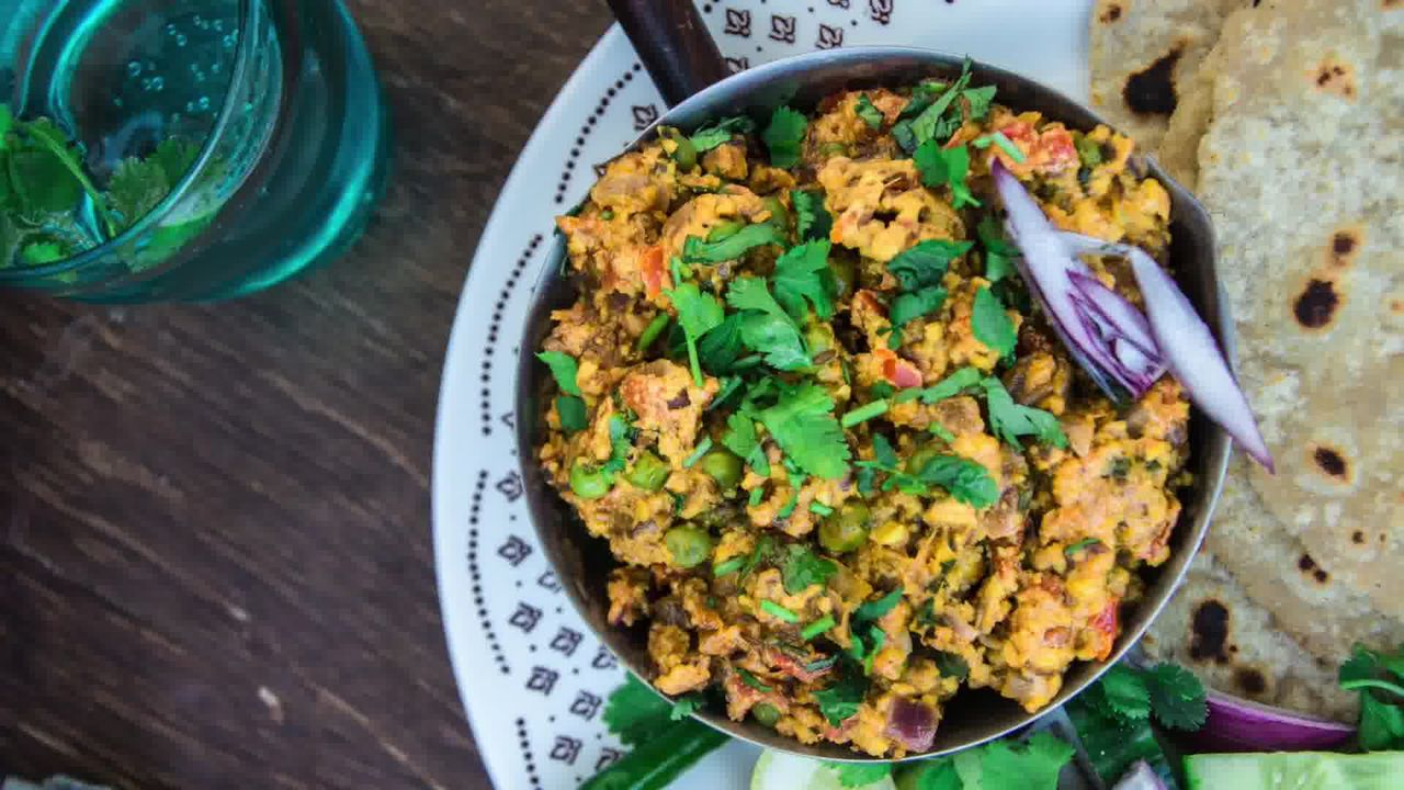 Image of the cooking step-1-16 for Paneer Bhurji Dry - Scrambled Paneer (Video Recipe)