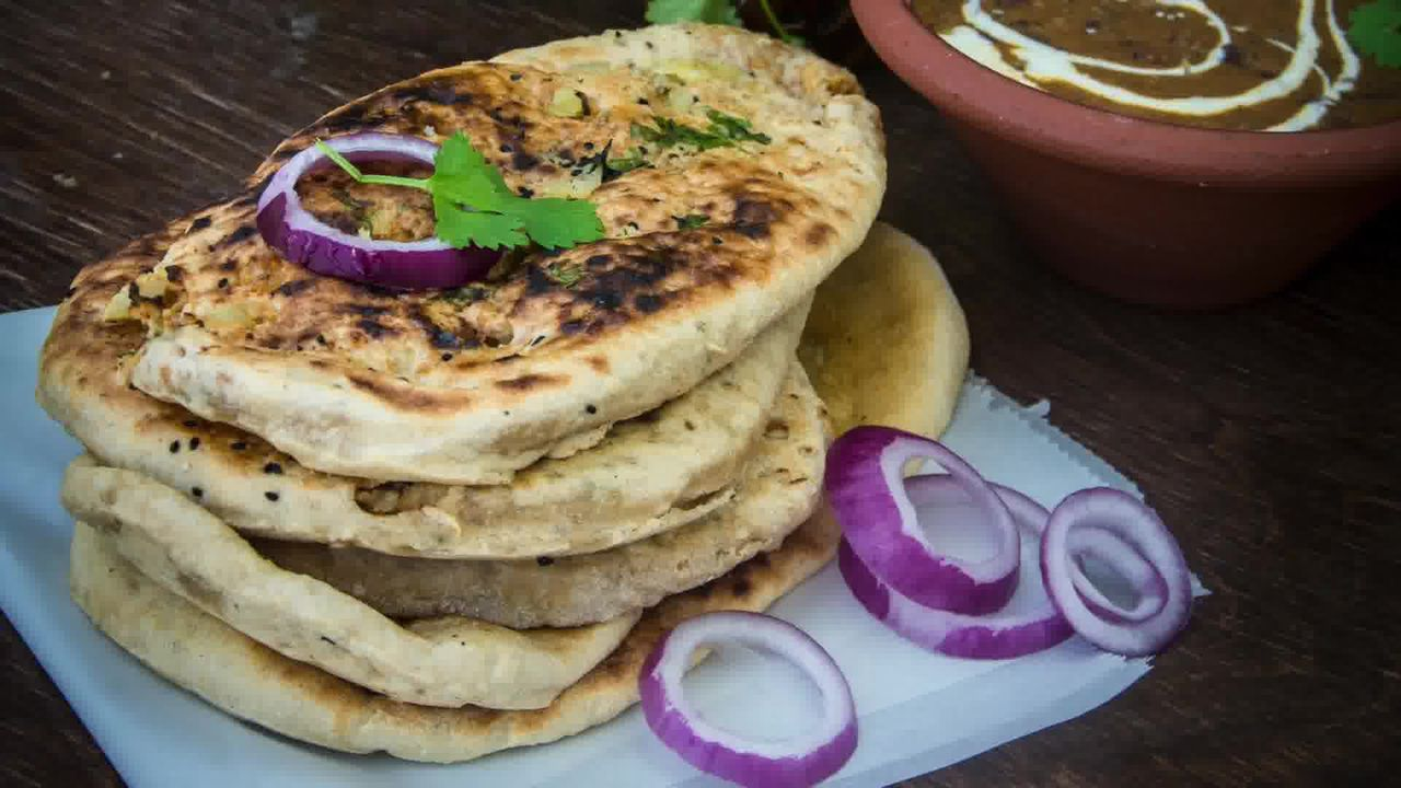 Image of the cooking step-4-13 for Paneer Stuffed Naan Recipe