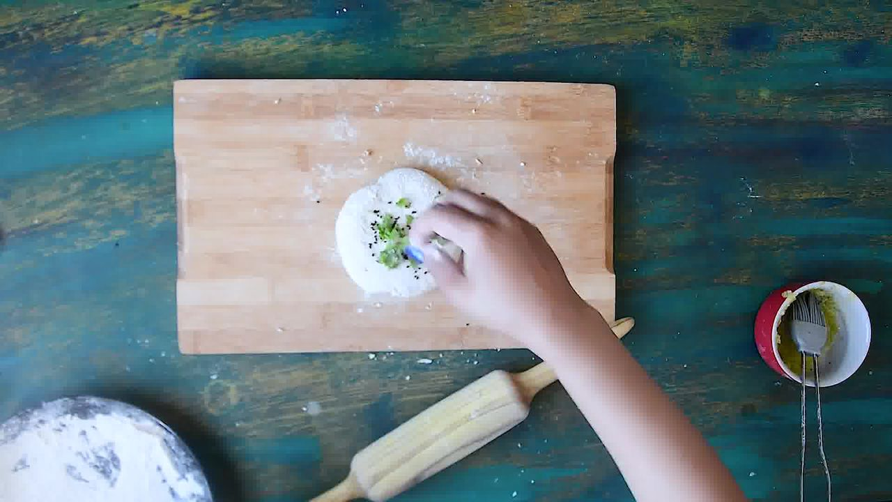 Image of the cooking step-4-5 for Paneer Stuffed Naan Recipe