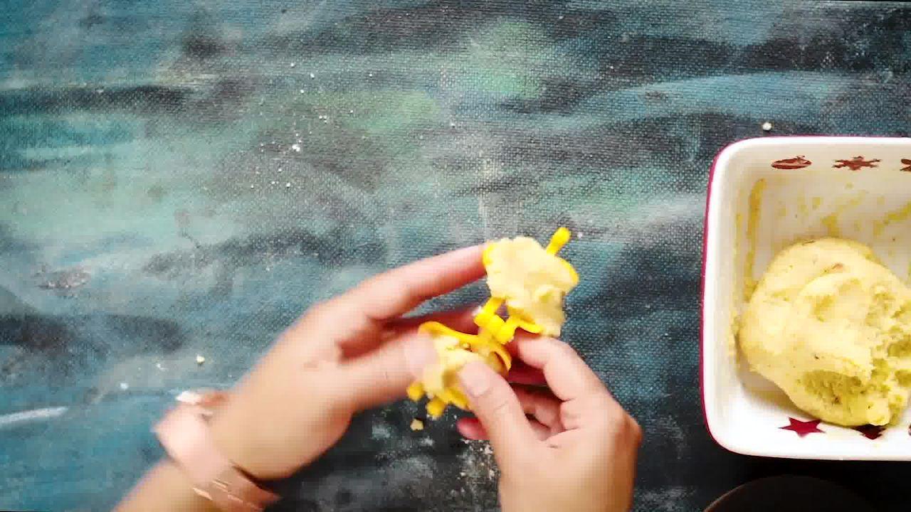 Image of the cooking step-2-1 for Instant Mawa Modak (Khoya Modak)