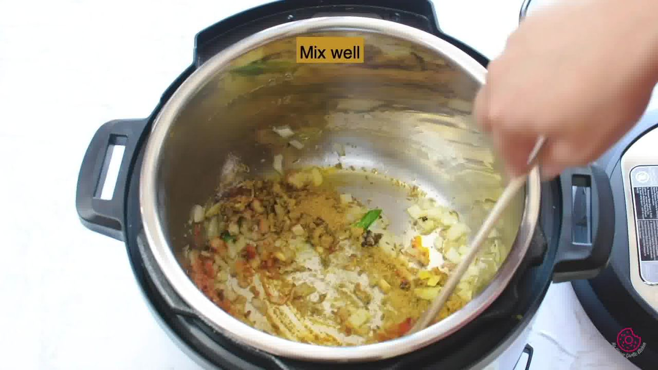 Image of the cooking step-1-8 for Instant Pot Chana Masala - Pressure Cooker Chole Masala