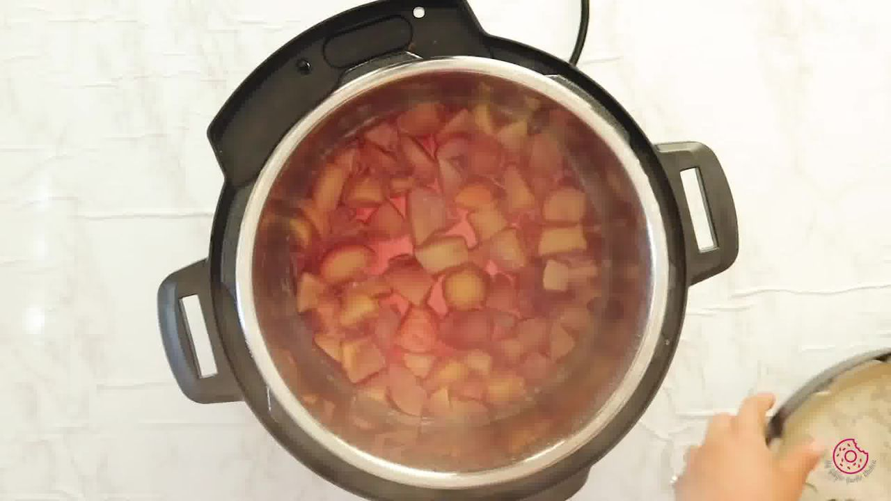 Image of the cooking step-1-5 for Instant Pot Peach Jam