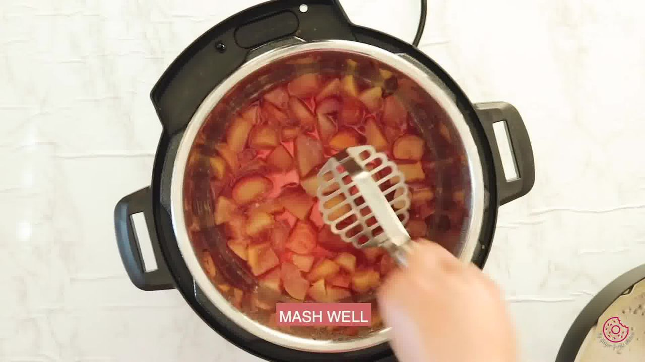 Image of the cooking step-1-6 for Instant Pot Peach Jam