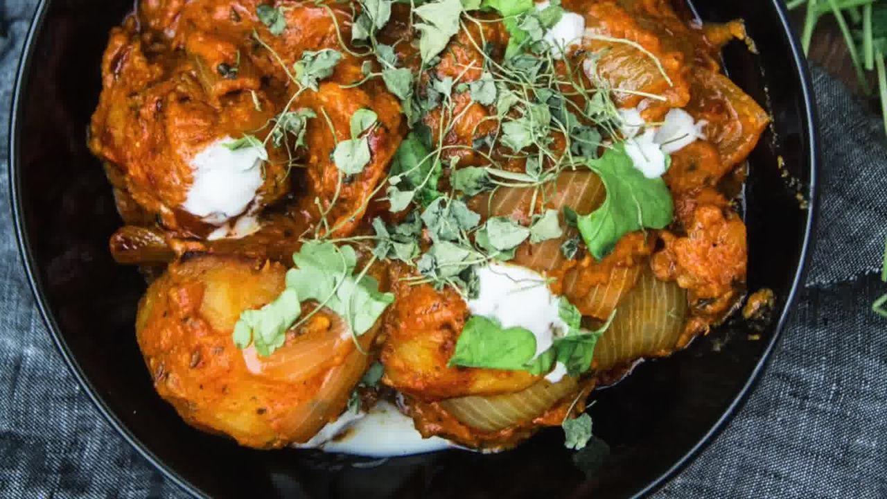 Image of the cooking step-1-22 for Jaipuri Aloo Pyaaz Ki Sabzi – Potato Onion Curry