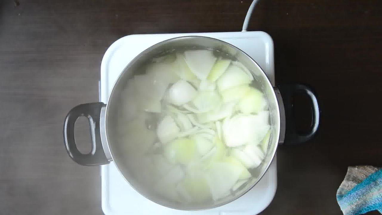 Image of the cooking step-1-5 for Jaipuri Aloo Pyaaz Ki Sabzi – Potato Onion Curry