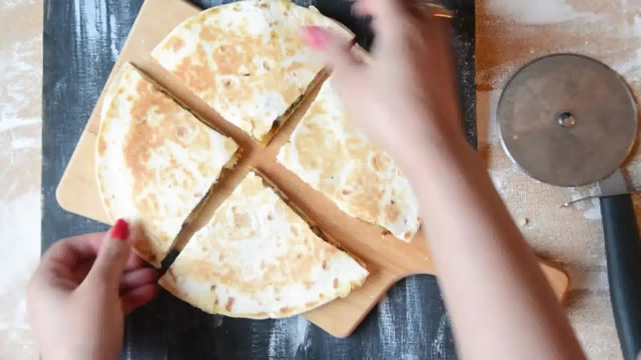 Image of the cooking step-1-15 for Jeera Aloo Quesadilla