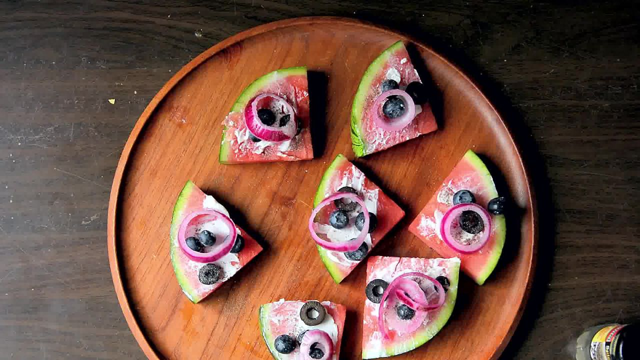Image of the cooking step-1-3 for Juicy Watermelon Pizza