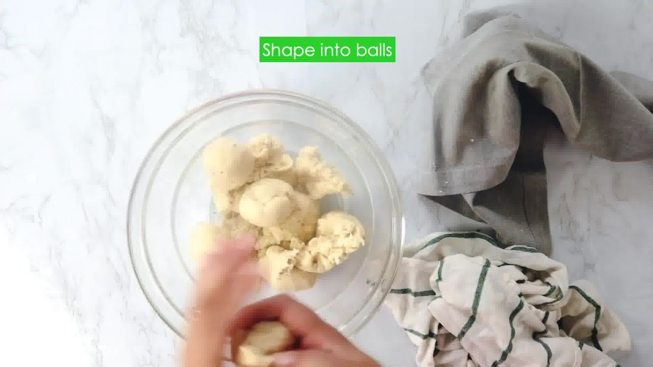 Image of the cooking step-2-8 for Khasta Moong Dal Kachori