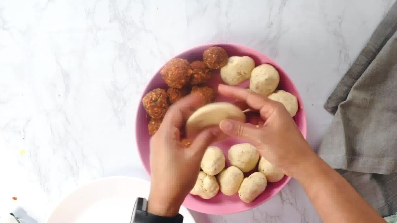 Image of the cooking step-3-2 for Khasta Moong Dal Kachori
