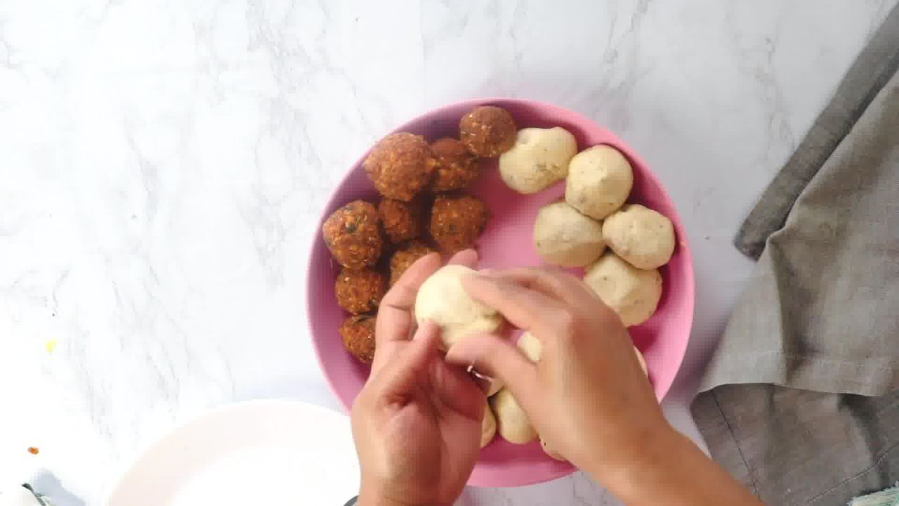 Image of the cooking step-3-4 for Khasta Moong Dal Kachori