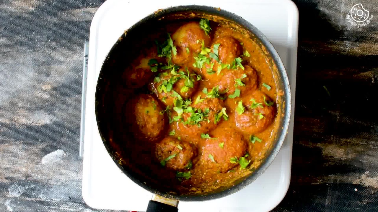 Image of the cooking step-1-15 for Lehsuni Dum Aloo - Spicy Garlicky Potatoes