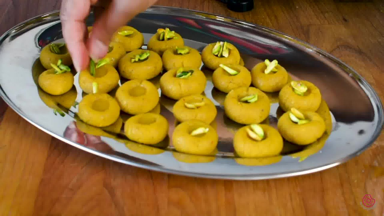 Image of the cooking step-1-18 for Mango Peda