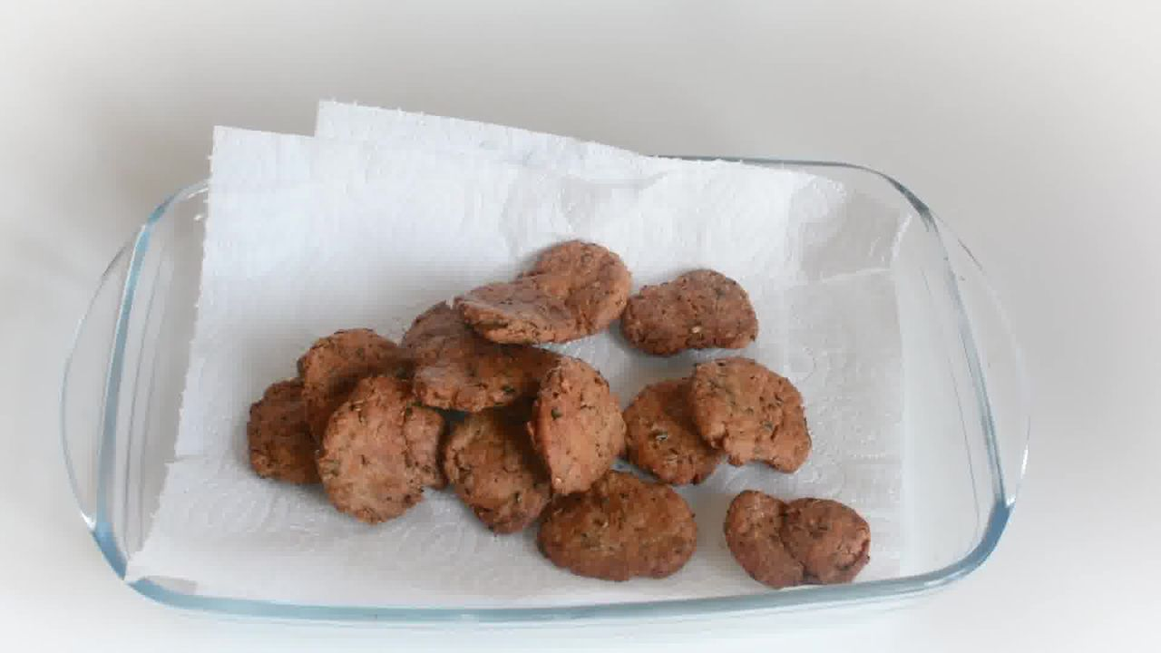 Image of the cooking step-2-4 for Masala Mathri - Spicy Indian Crackers (Fried and Baked)