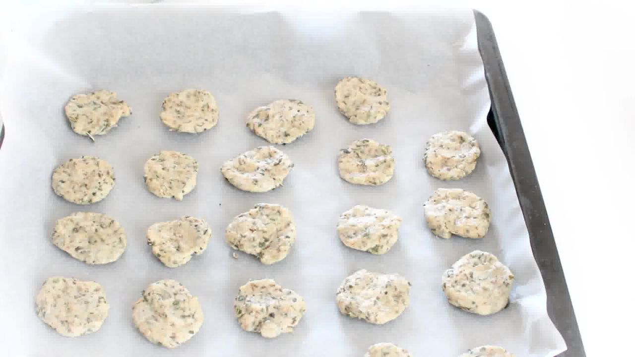 Image of the cooking step-3-1 for Masala Mathri - Spicy Indian Crackers (Fried and Baked)