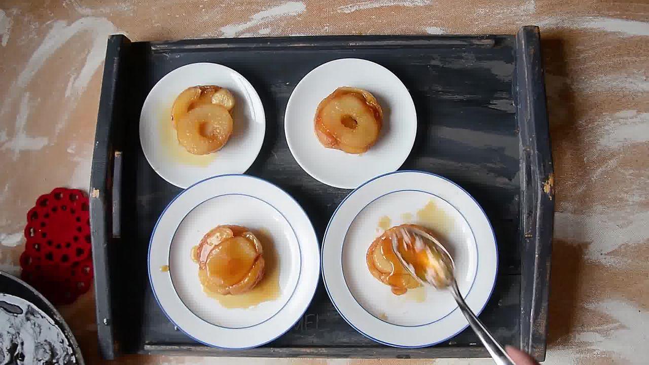 Image of the cooking step-1-19 for Mini Apple Pear Tarte Tatin