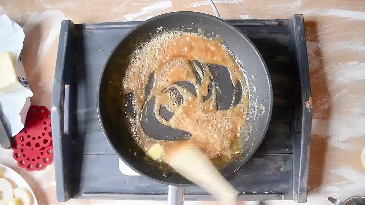Image of the cooking step-1-7 for Mini Apple Pear Tarte Tatin