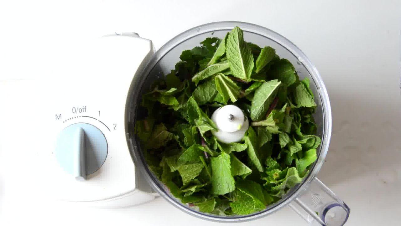 Image of the cooking step-1-1 for Mint Coriander Tandoori Roti Recipe