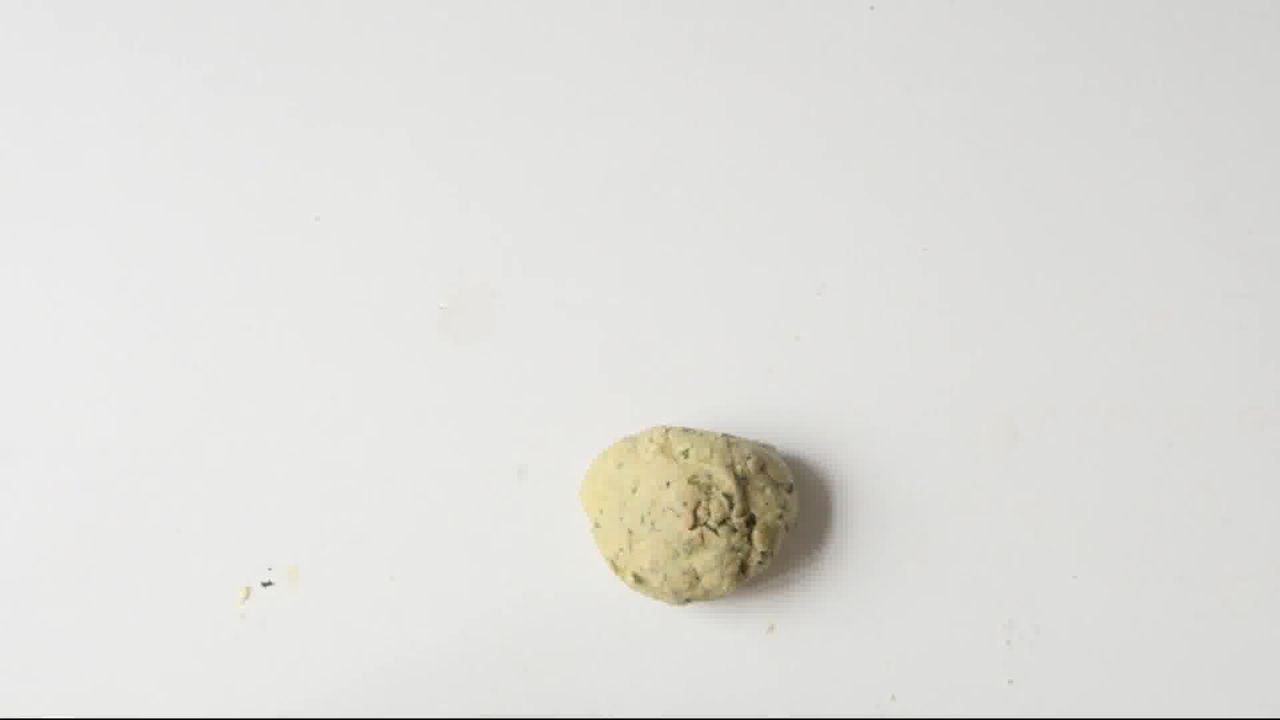 Image of the cooking step-1-6 for Mint Coriander Tandoori Roti Recipe