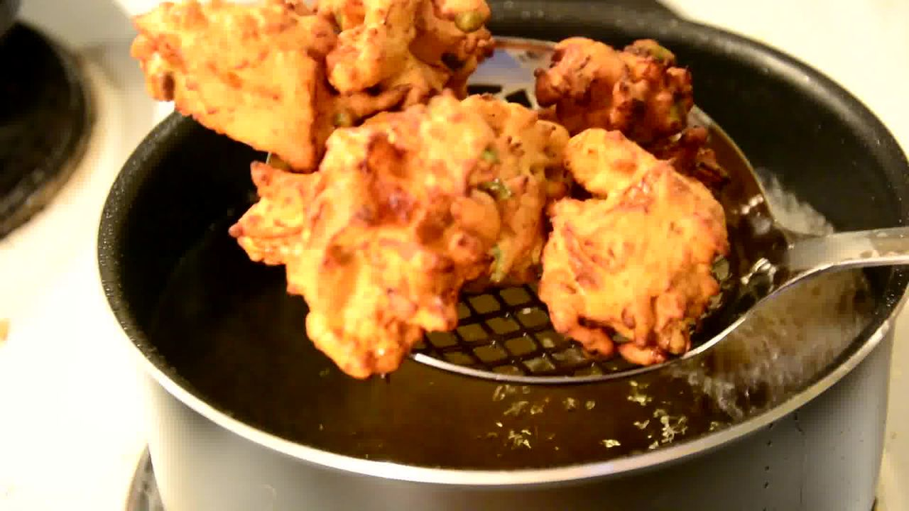 Image of the cooking step-1-8 for Mix Vegetable Pakora | Video Recipe