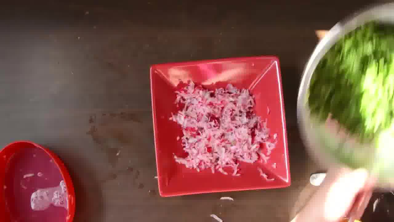 Image of the cooking step-2-2 for Mooli Paratha With Strawberry Grapes Chutney (Video)