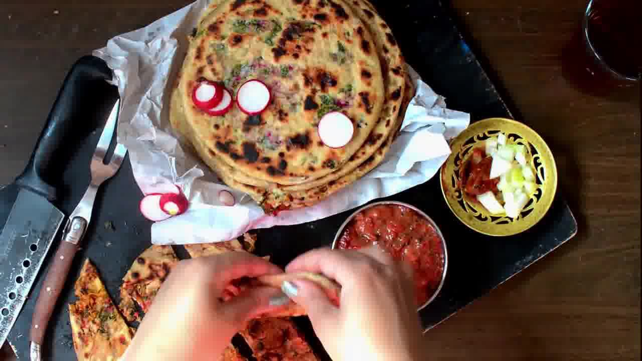 Image of the cooking step-4-7 for Mooli Paratha With Strawberry Grapes Chutney (Video)