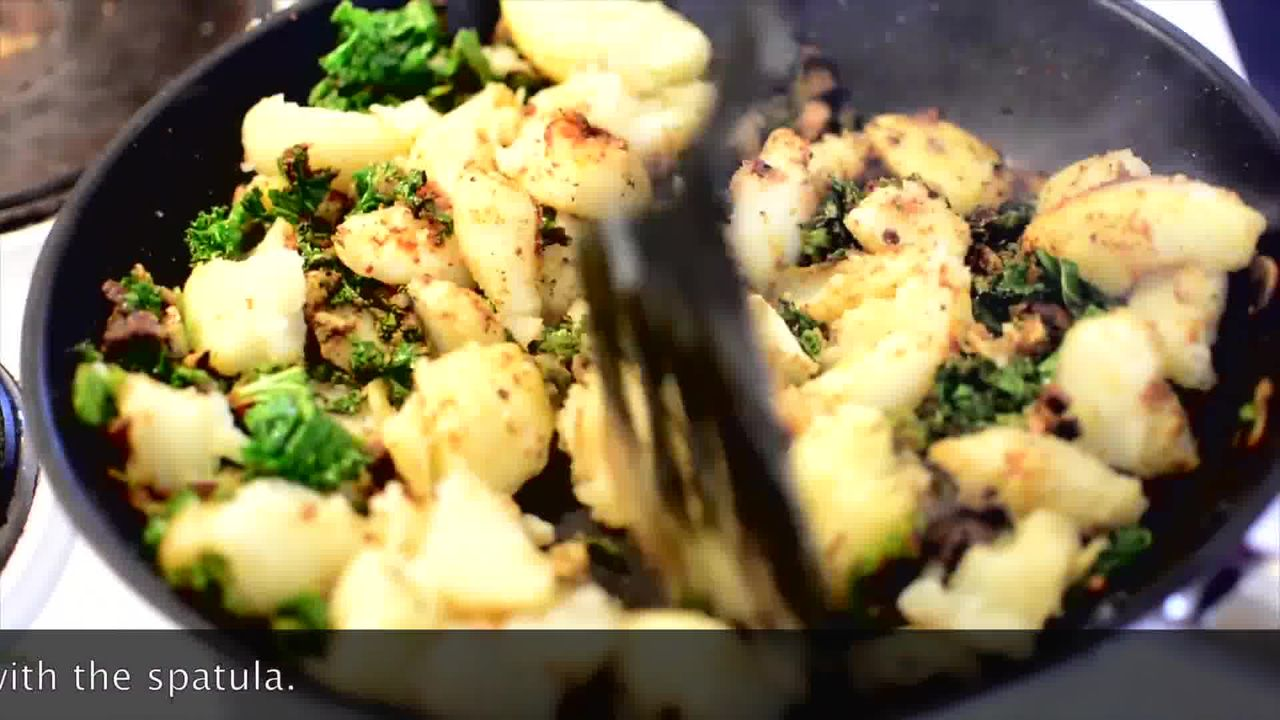 Image of the cooking step-1-7 for Mushroom Kale Stuffed Paratha (Video)