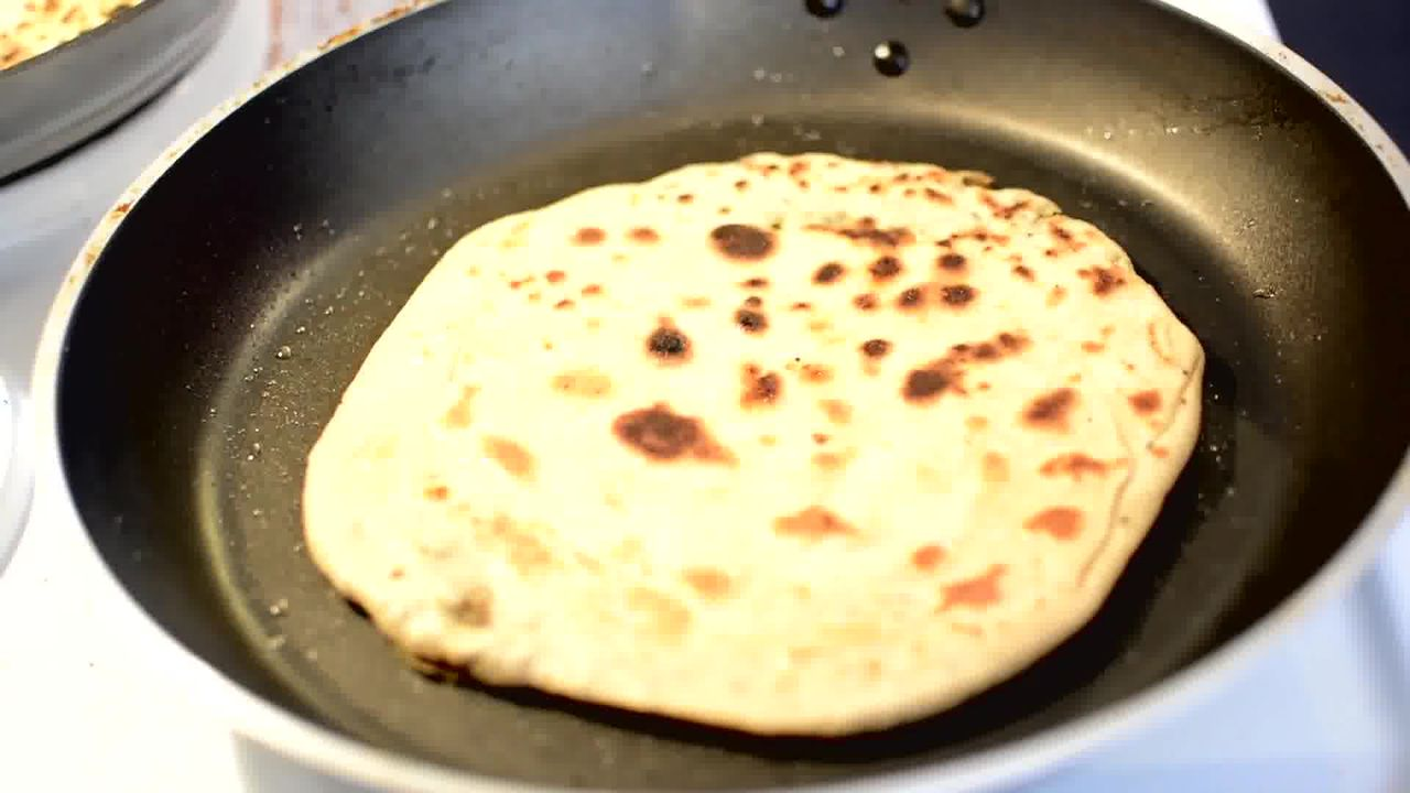 Image of the cooking step-3-9 for Mushroom Kale Stuffed Paratha (Video)
