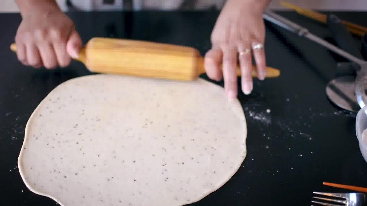Image of the cooking step-2-1 for Namak Para (8 fun Ways)