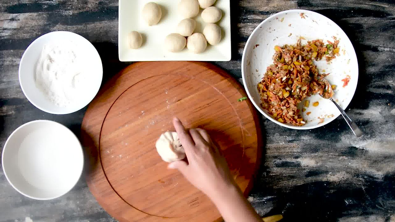 Image of the cooking step-3-5 for Nepalese Whole Wheat Steamed Veg Momos