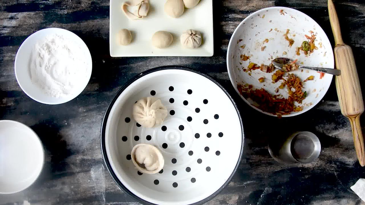 Image of the cooking step-3-6 for Nepalese Whole Wheat Steamed Veg Momos