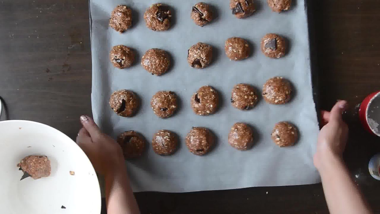 Image of the cooking step-1-7 for Oatmeal Peanut Butter Chocolate Cookies (Video Recipe)