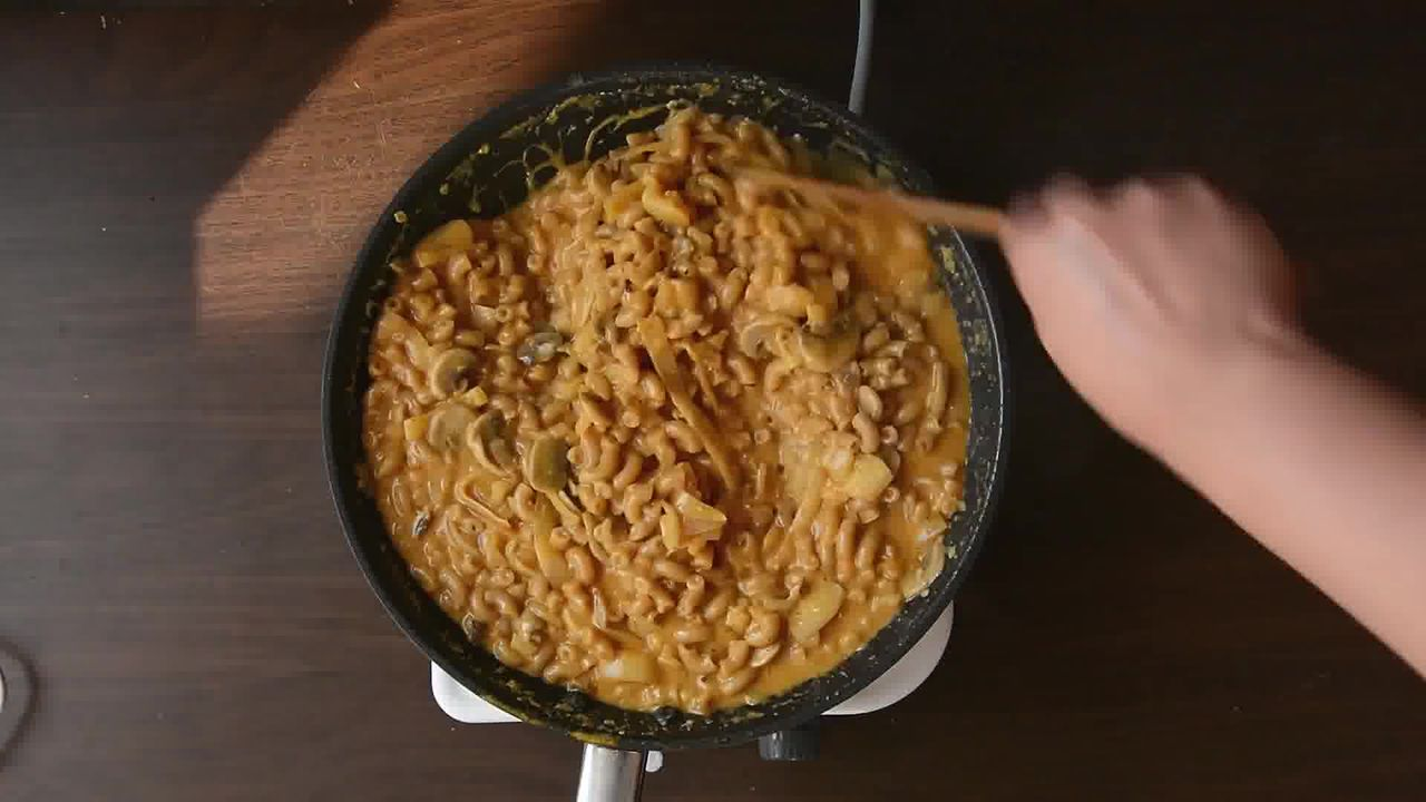 Image of the cooking step-1-10 for One Pan Thai Yellow Curry Macaroni