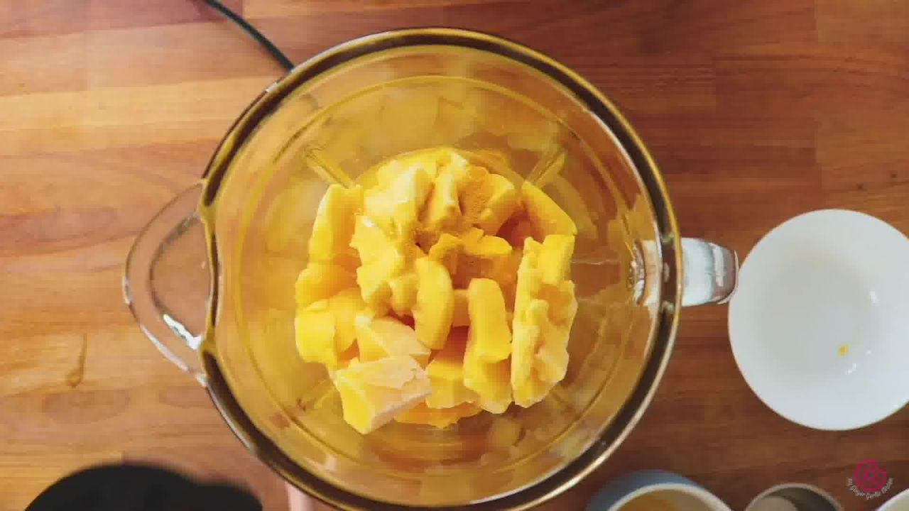 Image of the cooking step-1-1 for Immunity Boosting Orange Smoothie