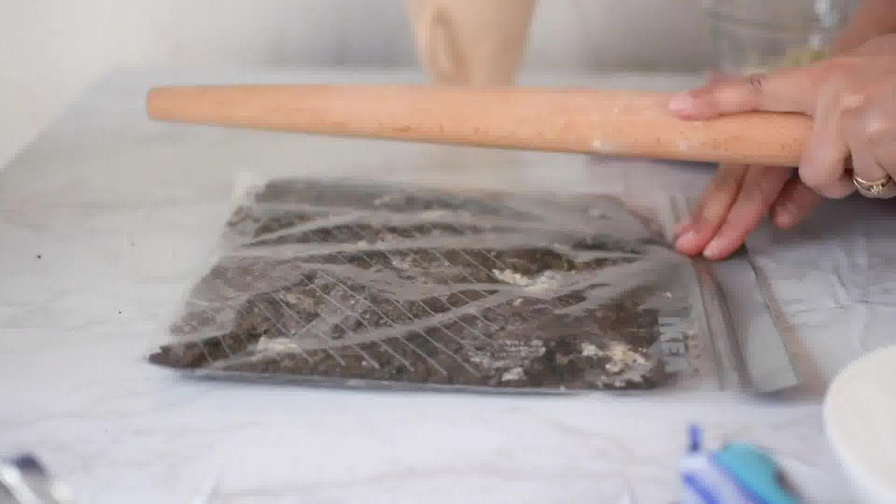 Image of the cooking step-2-2 for Oreo Mug Cake