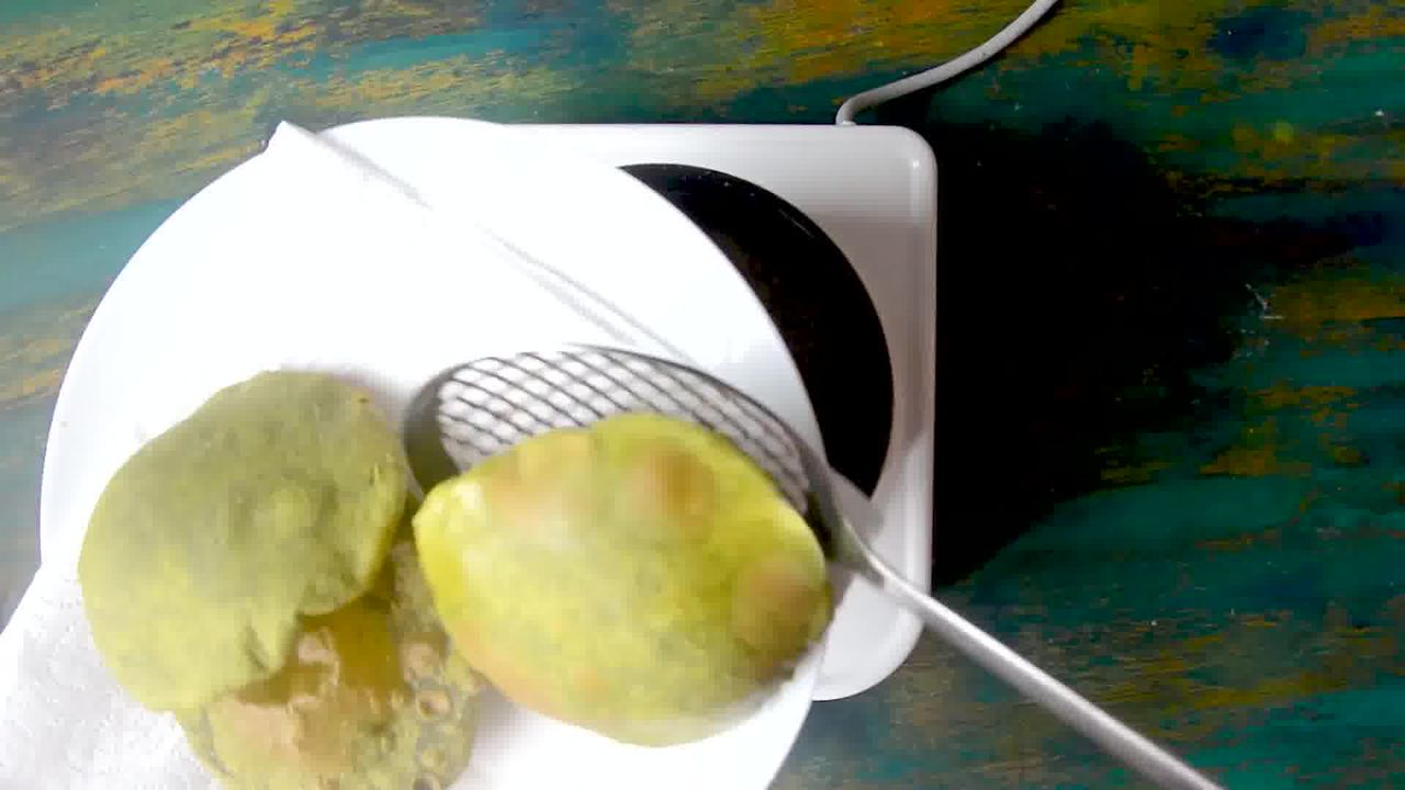 Image of the cooking step-2-13 for Palak Puri - Spinach Puri (Step-by-step video)