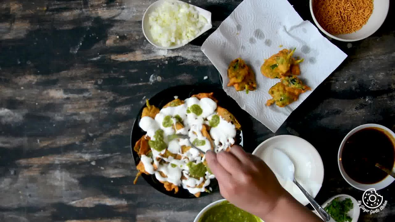 Image of the cooking step-2-3 for Palak Patta Chaat Recipe - Spinach Leaf Fritters