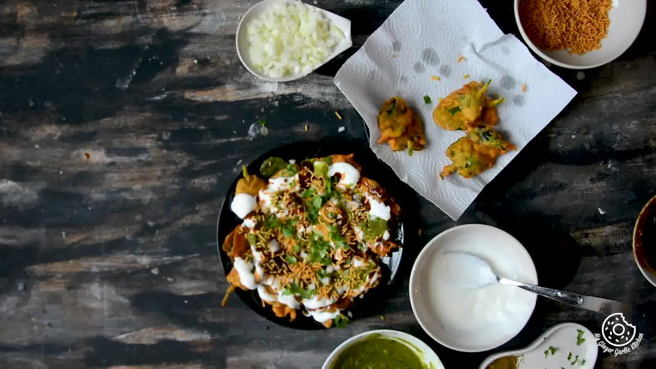 Image of the cooking step-2-5 for Palak Patta Chaat Recipe - Spinach Leaf Fritters