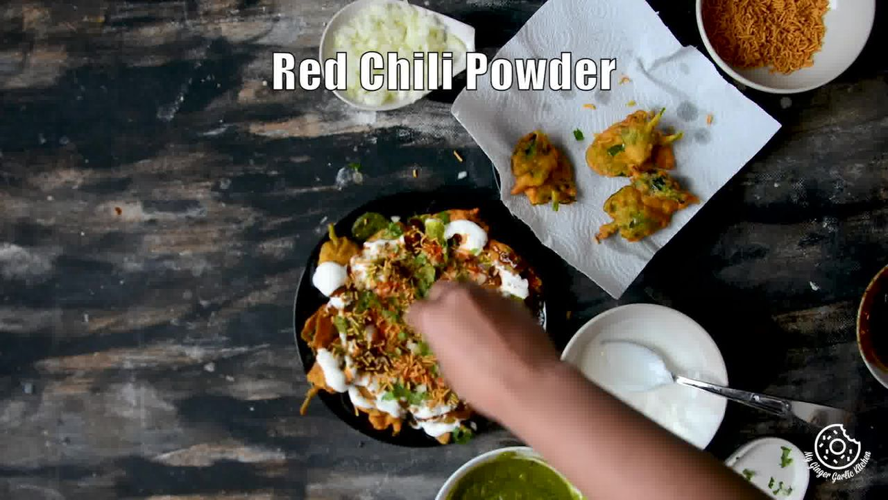 Image of the cooking step-2-6 for Palak Patta Chaat Recipe - Spinach Leaf Fritters
