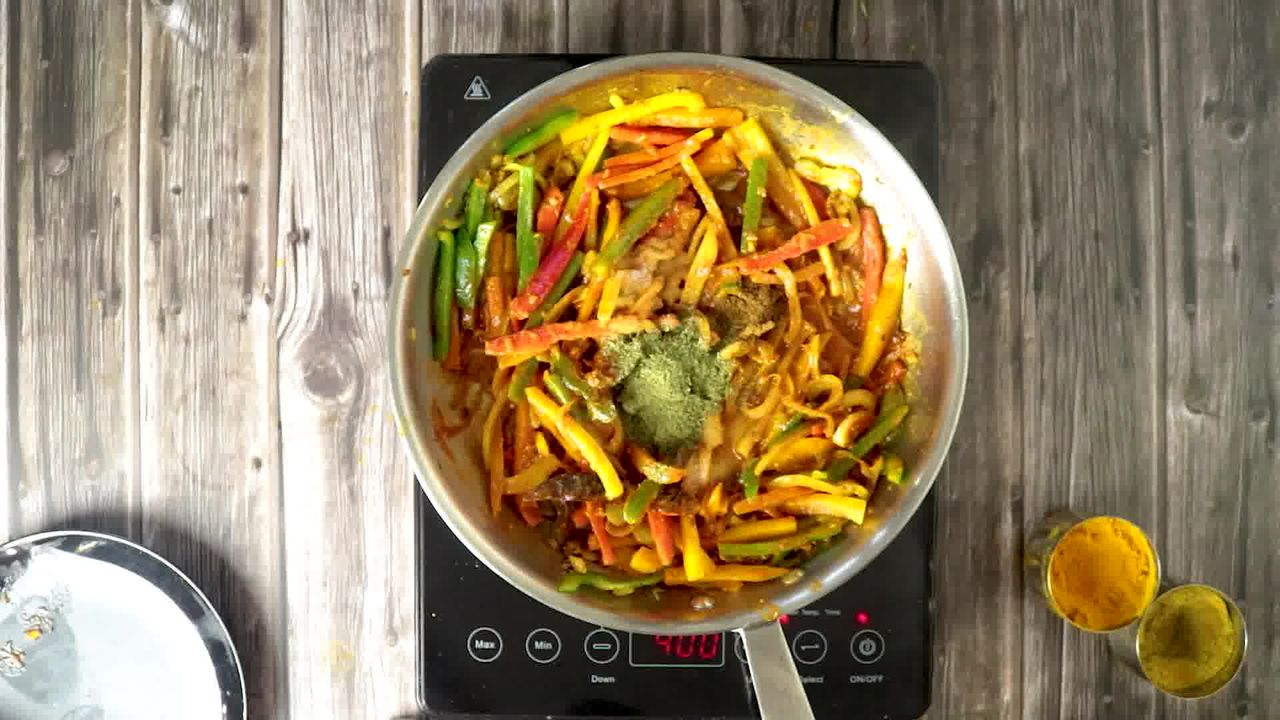 Image of the cooking step-1-10 for Paneer Jalfrezi
