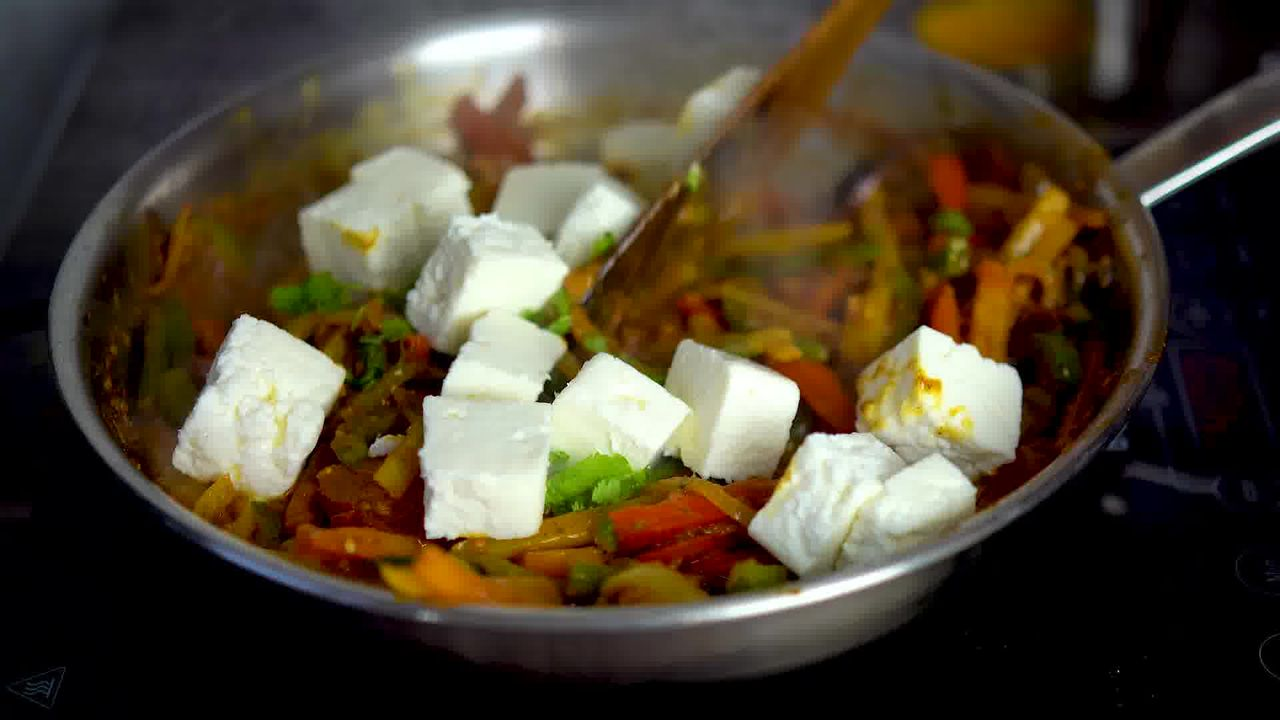 Image of the cooking step-1-12 for Paneer Jalfrezi