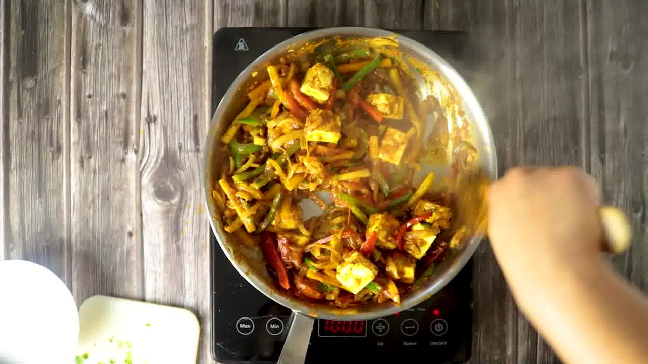 Image of the cooking step-1-13 for Paneer Jalfrezi