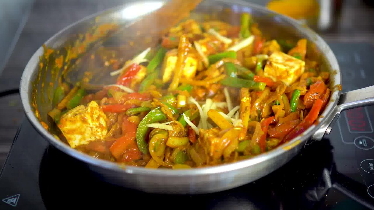 Image of the cooking step-1-14 for Paneer Jalfrezi