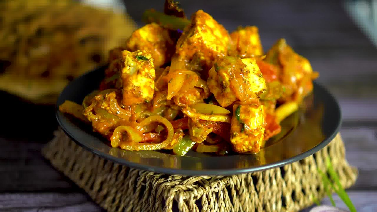 Image of the cooking step-1-15 for Paneer Jalfrezi